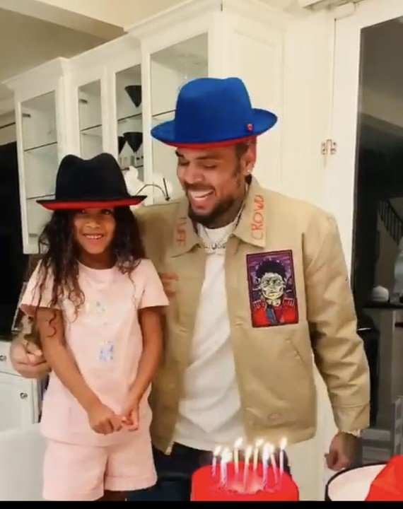 Pleasing Video Chris Browns Daughter Royalty Brown Sings For Him On His Personalised Birthday Cards Paralily Jamesorg